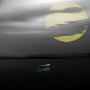 نیمه شب و دریاچه