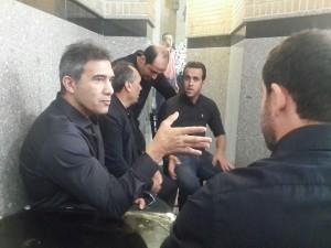 احمد رضا عابدزاده و علی کریمی در مراسم ختم نوروزی