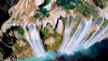 آبشار تامول مکزیک که  ۱۰۵ متر ارتفاع دارد.