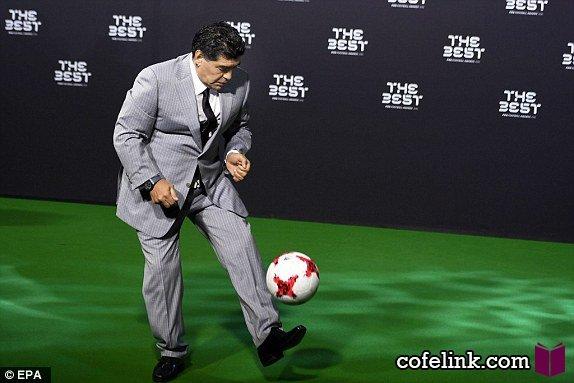 مارادونا هنوز هم میتواند با اضافه وزن خوب روپایی بزند